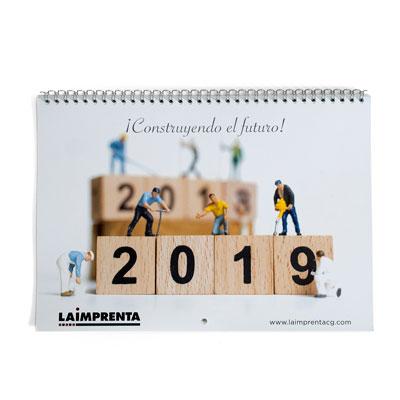ejemplo de un calendario de pared encuadernado en gusanillo