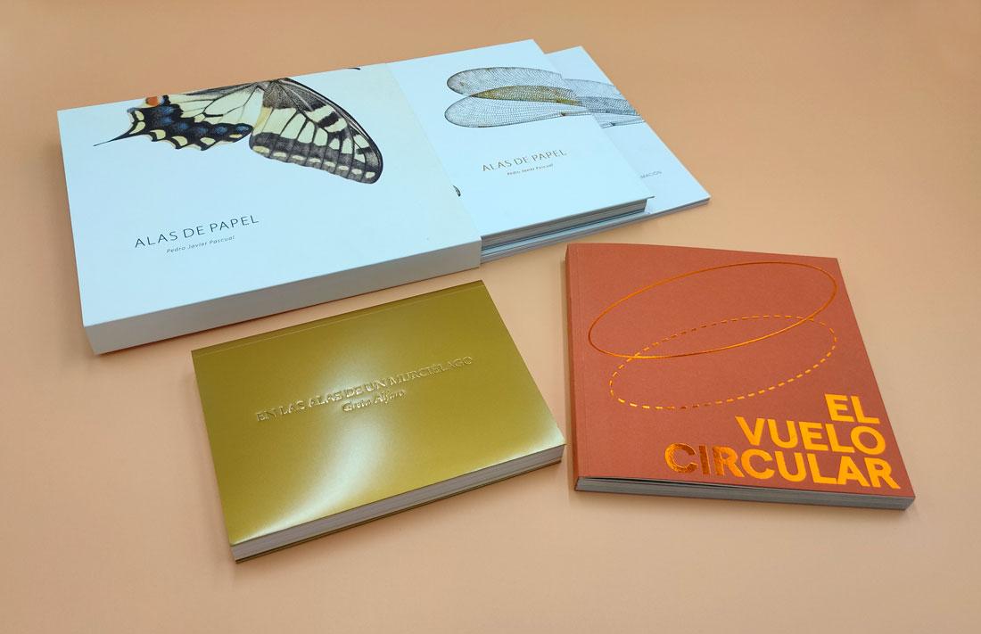 ejemplos de libros de fotografía con encuadernaciones especiales