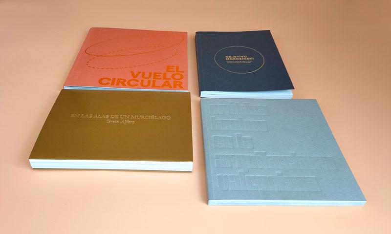 Libros de fotografía con encuadernaciones especiales, stamping, golpe seco, papeles originales